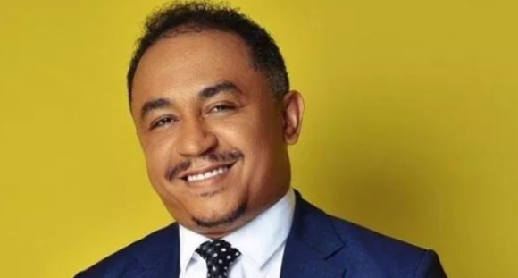 Photo of Daddy Freeze reacts to Apostle Okikijesu's Prophecy that Popular Pastors would Die without making Heaven.