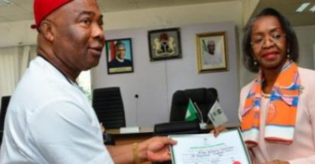 Photo of Hope Uzodinma sworn-in as Imo Governor