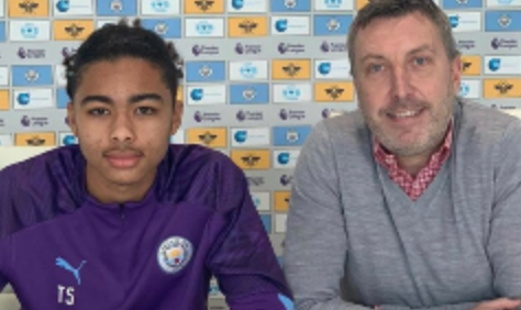 Photo of Nigerian Defender, Camron Gbadegbo Moves to Manchester City