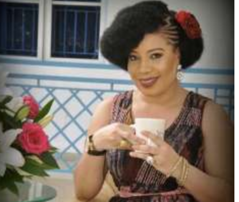 I bathed myself with Sanitizer after taking a Selfie with a Fan - Monalisa Chinda 1