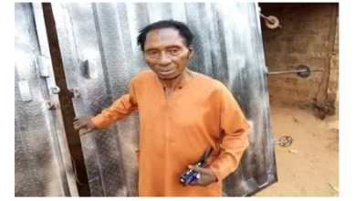 Photo of 85% of men's untimely death is caused by bad wives, says Enugu's popular native doctor with 58 wives