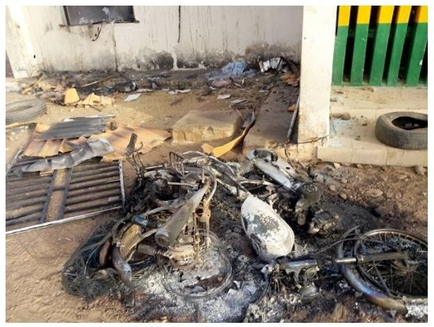 COVID-19: Angry Katsina youths burn down police station after police officers stopped them from observing prayers following Govt lockdown 3
