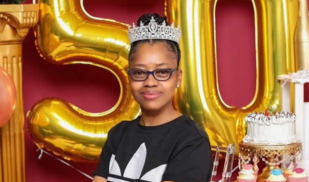 50-year-Old woman shares stunning birthday Photos looking like a Teenager (Photos) 15