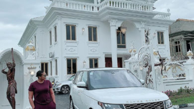 Photo of Owner of Sayaveth interiors, Ehi Ogbebor gifts herself a 7-bedroom Mansion on her 35th Birthday ( Photos)