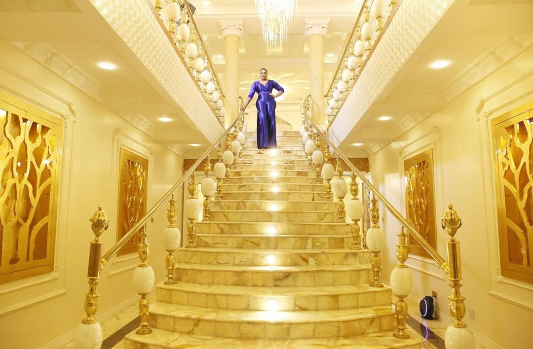 Owner of Sayaveth interiors, Ehi Ogbebor gifts herself a 7-bedroom Mansion on her 35th Birthday ( Photos) 7