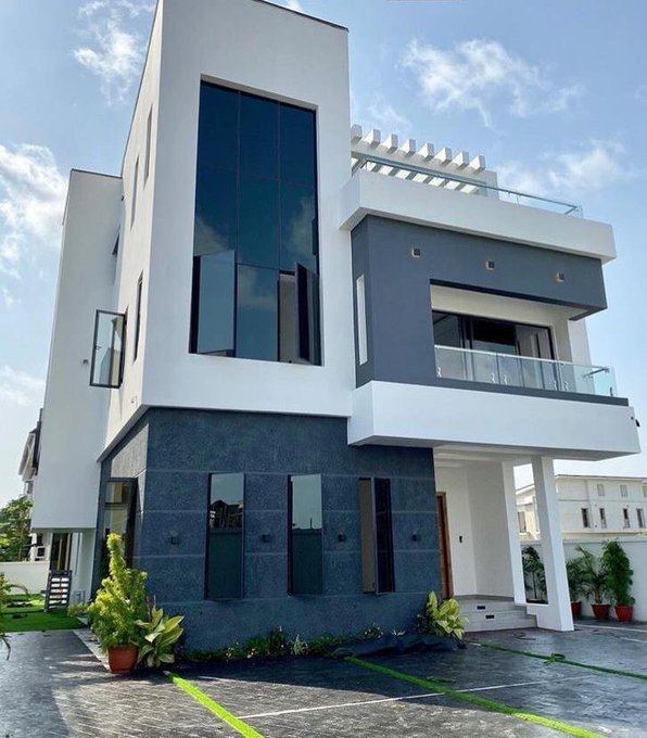 Super eagles Player, Ogenyi Onazi buys MultiMillion Home in Lekki 4