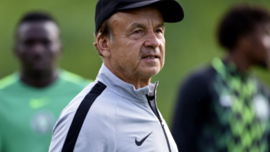 Photo of Nobody can tell me who to pick, Rohr clears air on NFF picking Players