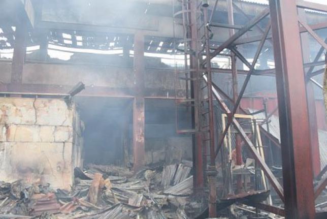 Benin Oba Market gutted by fire 1