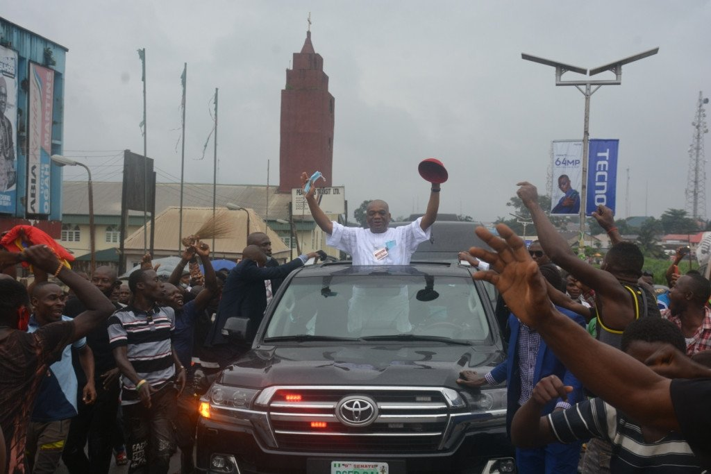 Orji Uzor Kalu receives rousing welcome in Abia State as he returns Home months after release from Prison 8