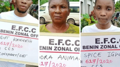 Photo of Fraud: EFCC arrest Uniport Undergraduate, Mother and Girlfriend following Petition from FBI