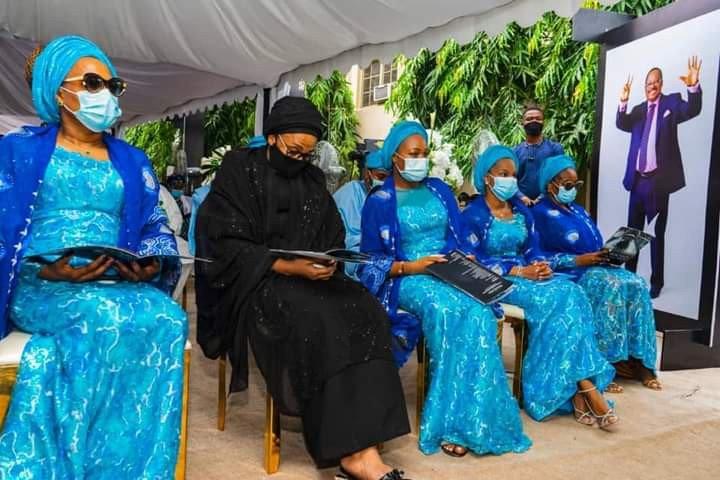 Family and Friends gather for the 40th day Fidau prayer of late Senator Ajimobi (photos) 10