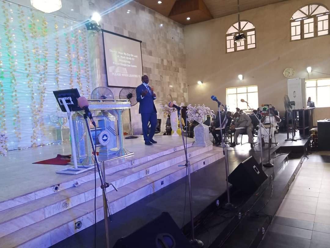 Ize-Iyamu seen ministering at RCCG on Sunday (Photos) 6