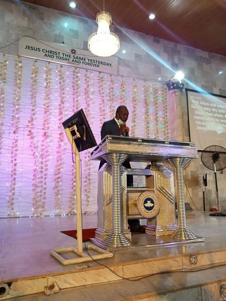 Ize-Iyamu seen ministering at RCCG on Sunday (Photos) 7