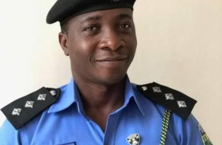45-year-old rescued by Nigerian Police from committing suicide, gives reason 1