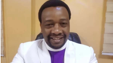 Photo of I will not officiate any wedding if the man has not seen his bride's face without makeup – Clergyman, Godfrey Migwi