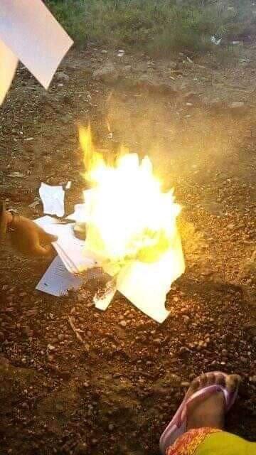 Katsina graduate sets his certificates ablaze over inability to secure a job (photos) 10
