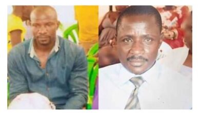 Photo of Two men hack each other to death while fighting over a woman in Uganda