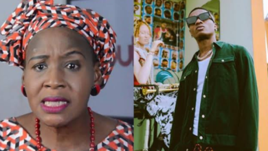 Photo of EndSARS protest: Leave that group, they just want to ruin you – Kemi Olunloyo tells Wizkid