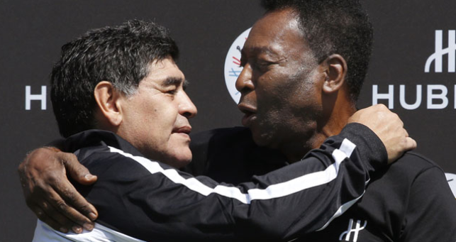 """Photo of Maradona: """"One day, I hope we will play soccer together in the sky"""" – Pele"""