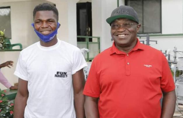 Gov Ikpeazu awards scholarship to Abia-born electricity transformer innovator 3
